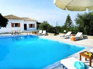 Villa Ilios, Paxos - 3 bedrooms with private pool & Wi-Fi!!!