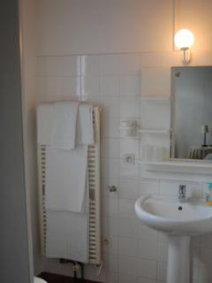 The 2nd ensuite bathroom