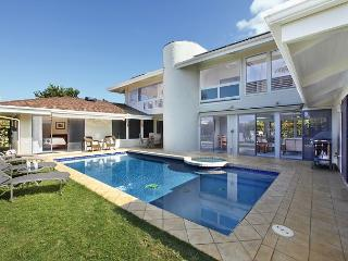 5 Bedroom House With Private Pool, Princeville