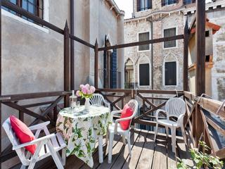 Palazzo Barbaro - Amazing terrace and canal view