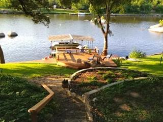 2 Bedroom Cool Waters, Lake LBJ #1 Swimming Hole!, Burnet