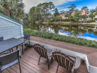 116 Abbington - 3 minute walk to beach & beautiful lagoon views, Hilton Head