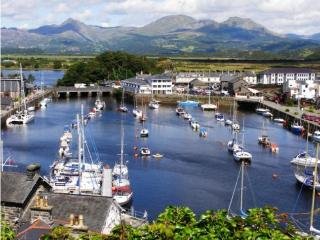 Porthmadog Luxury Apartment with FANTASTIC VIEWS!