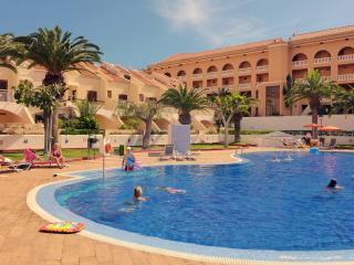 Villa, centre of las americos, Arona