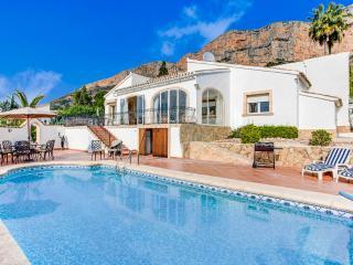 Villa Bulino Luxury 2 bedroomed villa in Javea,  wifi & AC