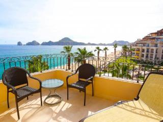 Private & Deluxe Beachfront Studio with Kitchenette - 4th Floor in Medano Beach, Cabo San Lucas