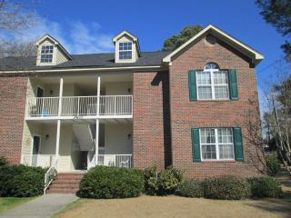 Private Neighborhood Condo - 2nd Floor, 2 bedrooms
