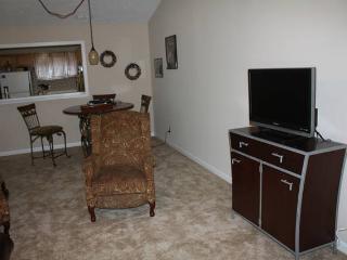 TV, Cable, WiFi, dinette area