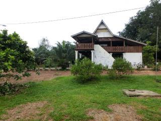 Romax Farmstay, Masjid Tanah