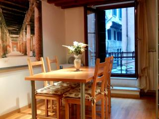 Colombina - Lovely apartment with little balcony, Venice