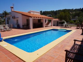 Luxury villa with heated pool and jacuzzi, Benidoleig
