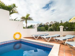 Aljamar 8a great villa close to  Burriana Beach, Nerja
