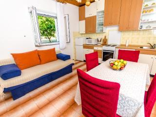TH01859 Apartments Dora / Two bedrooms A1, Okrug Gornji