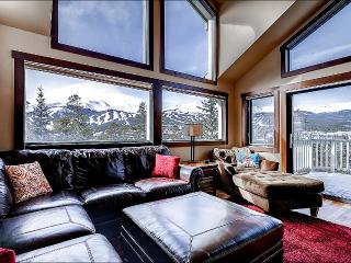 Mountain Range Vista Views - Close to Town and Activities (13489)