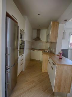 A8 (4+1): kitchen