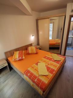 A8 (4+1): bedroom