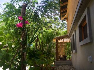Casa Dunia - casita jardin, Playa Maderas