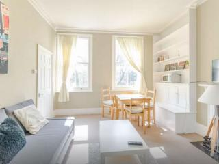 Lovely 2bed flat central location, London