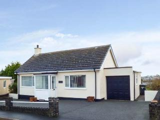 CRUD YR AWEL all ground floor, close to coast, family and dog friendly in