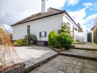 CHY LOWEN, pet-friendly bungalow, enclosed patio, shop and pub within walking distance, in Camborne, Ref 929109