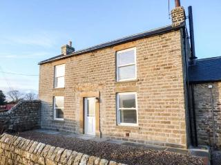 LOW BROATS detached farmhouse, woodburner, pet friendly, near AONB, in Bowes Ref 931411