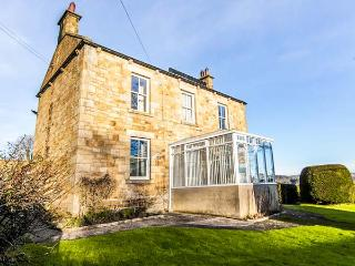 DENEBURN HOUSE detached, open fires, garden, countryside views in Hexham Ref 931434