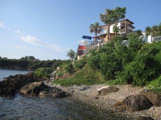 VIlla Chara - Beachfront 4BR - Ammouliani Island