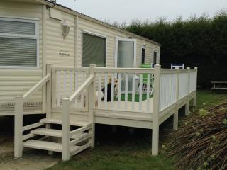 Comfortable dog friendly static caravan for hire, St Helens