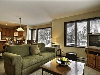 Gorgeous Views from the Private Balcony - Inviting Furnishings and Decor (6002), Mont-Tremblant National Park