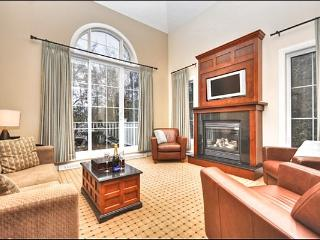 Views of Courtyard, Pools & Lake - Walk to Free Shuttle or the Village (6029), Mont Tremblant