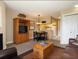 Shared Indoor Hot Tub - Located on the Shuttle Route (4036), Whistler