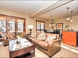 Lovely Mountain Views - Heated Floors in the Kitchen & Bathrooms (6048), Mont Tremblant