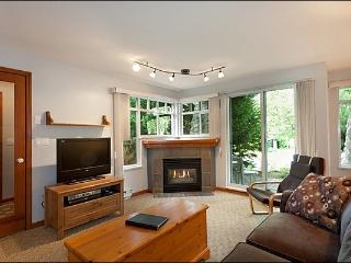 Short Walk to Whistler Conference Centre - Close to Marketplace Mall (4059)