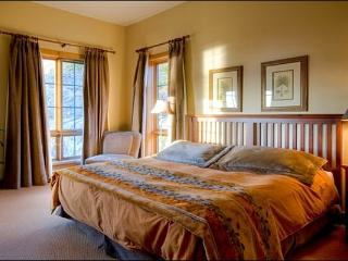 Common Area Outdoor Hot Tub - Private Balconies with Exquisite Views (6072), Mont Tremblant