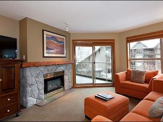 Short Walk to Blackcomb Base - Year Round On-Site Outdoor Pool & Hot Tub (4072), Whistler