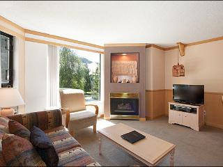 Slopeside on Blackcomb Mountain - Year Round Pool, Hot Tub & Fitness Room (4075), Whistler