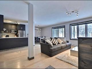 Lovely Mountain Views - High End Modern Design (6238), Mont Tremblant