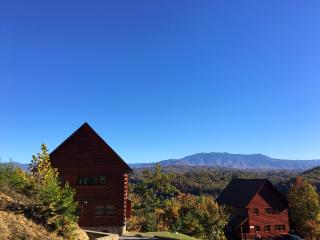 Luxury Cabin, Sleeps 8, Amazing View, Dollywood, Pigeon Forge