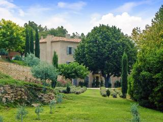 Bastide des Vignes, Sleeps 14, La Tour d'Aigues