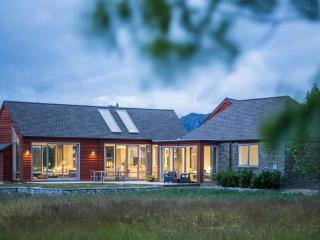 Threepwood Villa, Lake Hayes