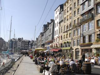 Charming,comfortable townhouse in Honfleur