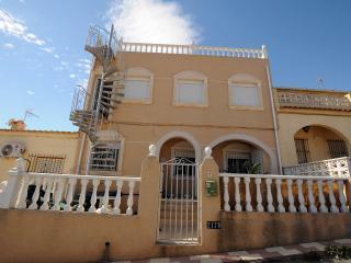 Villa in quiet area, La Marina