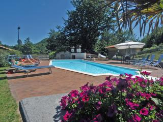 Stylish Villa with 6 bedrooms en suite and Private Pool, 20 minutes from Pistoia