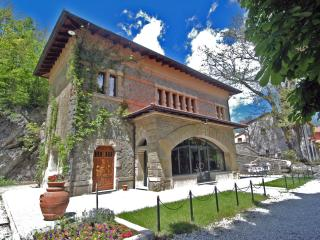 Villa Morelli Gualtierotti, Art Nouveau Villa with 8 bedrooms and Private Pool