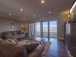 Luxury lake front condo in South Lake Tahoe with great views!