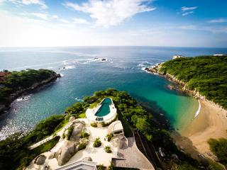 Ocean Views and Direct Beach Access, Huatulco
