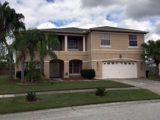 5 Bedroom House with Private Pool and Hot Tub, Kissimmee