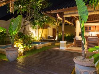 sandalwood 2 bedroom private villas  seminyak, Seminyak