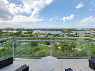 Aquamarina: Ocean & Lagoon Views Luxury Condo, Maho