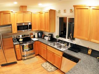 Fully equipped kitchen, including glassware, dishware, cooking utensils, silverware...everything!
